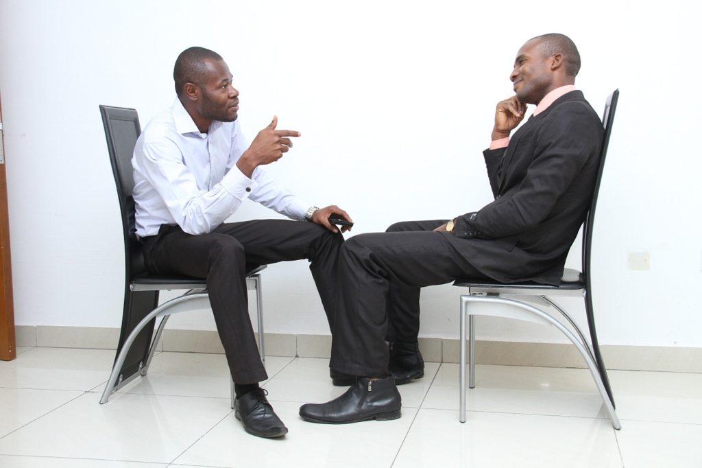 Présentation lors d'un entretien d'embauche